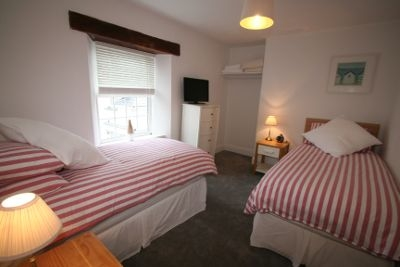 CinnamonTeal Twin Bedroom Instow, North Devon
