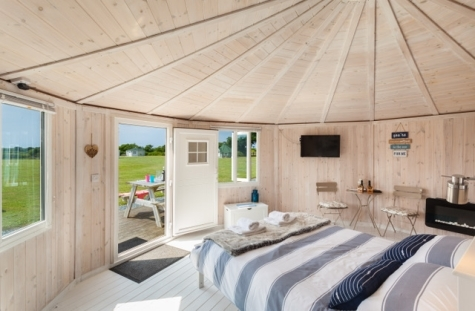 Kingsize beds glamping and fishing in coastal north Devon