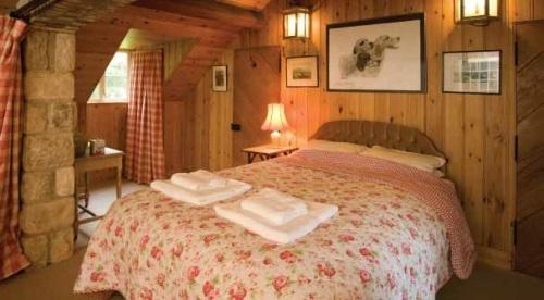 Shooting Lodge Bedroom - Wrackleford Estate- Dorset